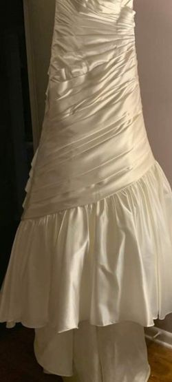 Wedding Dress Size 10 (Never Wore) With Trumpet Slip for Sale in Tampa,  FL