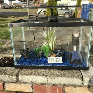 Fish Tank 10 Gallon With Extras for Sale in Tacoma, WA