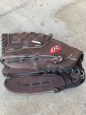 "Selling a left handed 13"" Rawlings baseball glove , renegade RS130 for Sale in Corona, CA"