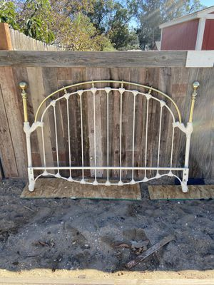 Antique bed frame for Sale in Nipomo, CA