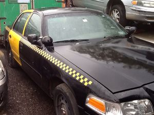 2007 Ford Crown Vic PARTS for Sale in Philadelphia, PA