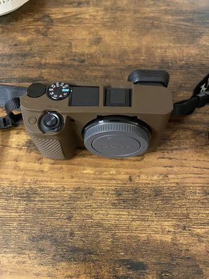 Sony Alpha a6400 Mirrorless Camera: Compact APS-C Interchangeable Lens Digital Camera with Real-Time Eye Auto Focus, 4K Video & Flip Up Touchscreen - for Sale in Washington, DC