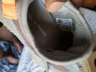 Adidas yeezy size 9 toddler for Sale in Fort Lauderdale,  FL