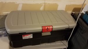 Rubbermaid Rugged Storage 48 gallon Plastic Container for Sale in Monroe, WA