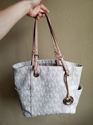Authentic Michael Kors Leather handbag/tote for Sale in Camas, WA