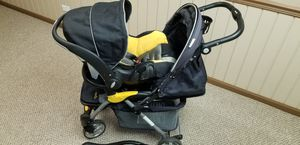 Evenflo Featherlite 400 Travel System (Stroller, Infant Car Seat and Base) for Sale in Lockport, IL
