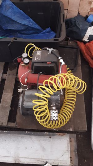 3 gallon air compressor with hose for Sale in Spanaway, WA