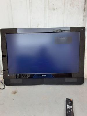 32 INCH VIZIO TV WITH REMOTE AND HDMI for Sale in Los Angeles, CA