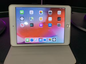iPad mini 3 in mint condition with cellular , glass screen protector ,and leather case for Sale in Ashburn, VA