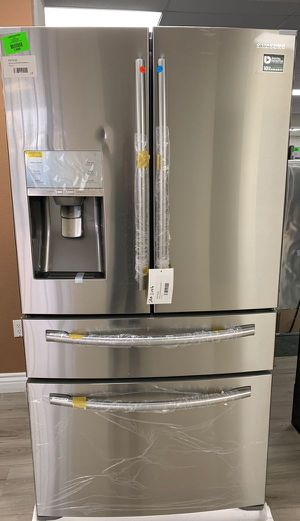 Brand New Samsung 4 door refrigerator! RF24FSEDBSR 0A for Sale in Rosemead, CA