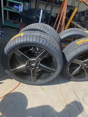 Seis Birlos para Toyota para Chevrolet para tajo 24 for Sale in Moreno Valley, CA