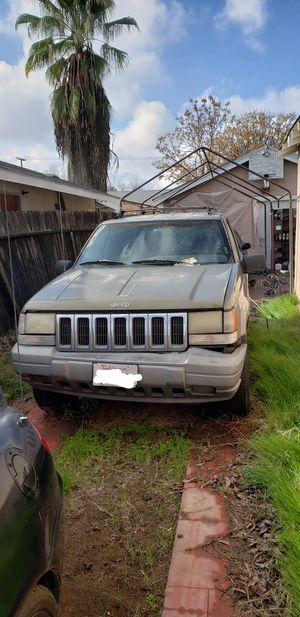 Parting out 97 Jeep Grand Cherokee for Sale in Fresno, CA
