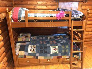 BroyHill Oak Bedroom Set with Desk for Sale in Leechburg, PA