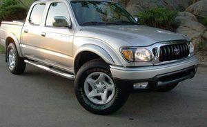 Very clean. Toyota Tacoma 2004 AWDWheels for Sale in Phoenix, AZ