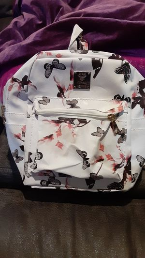 BUTTERFLY MEDIUM BACKPACK for Sale in Merced, CA