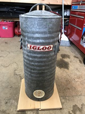 5 Gallon vintage Igloo water cooler for Sale in Hudson, MA