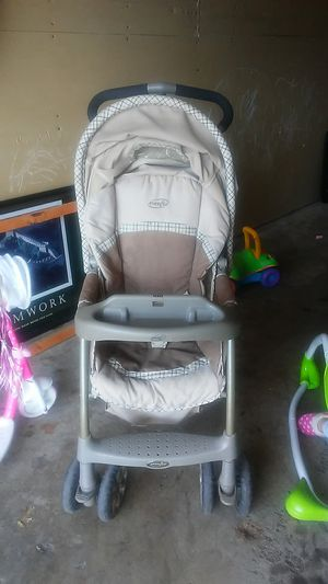 Evenflo baby stroller for Sale in Eagan, MN