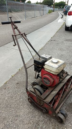 Bermuda and st. Augustine lawn mower for Sale in Fullerton, CA