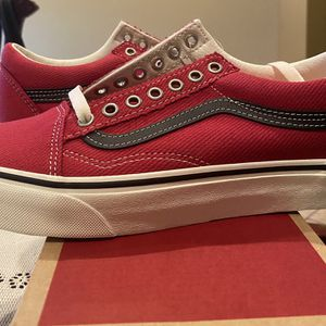 Vans Old Skool Red And Black for Sale in Chino Hills, CA