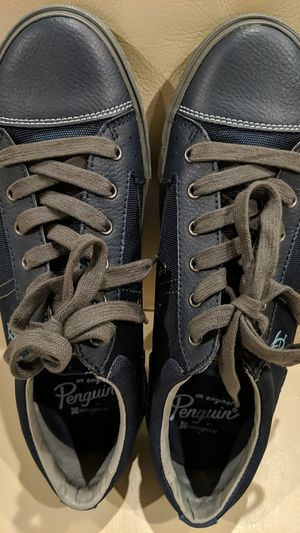 Penguin men's Shoes Size 9D for Sale in Cary, NC