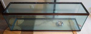120 gallon fish tank with wood stand for Sale in Murfreesboro, TN
