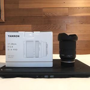Tamron 17-28 F2.8 Lens for Sony E Mount Cameras for Sale in Encinitas, CA