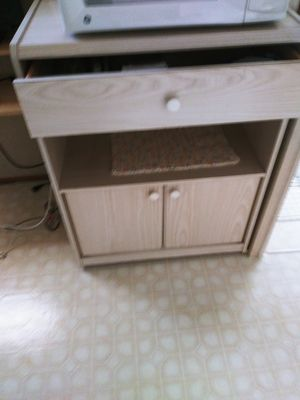 Microwave table/Cabinet for Sale in Kenneth City, FL