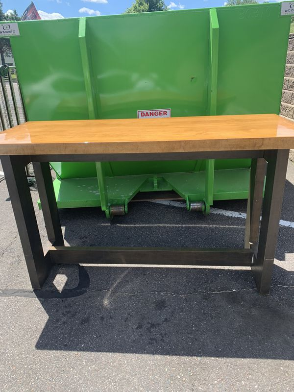 Restaurant tables in great condition