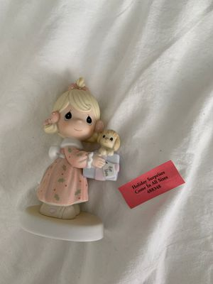 Precious Moments Porcelain Figurine: Holiday Surprises Come In All Sizes for Sale in Tampa, FL