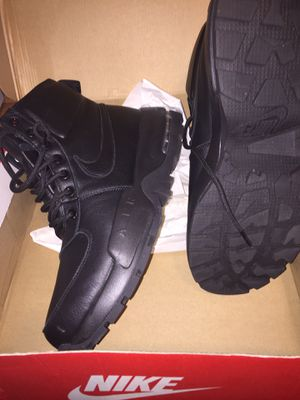 Nike boots new 11 men's for Sale in NEW CARROLLTN, MD