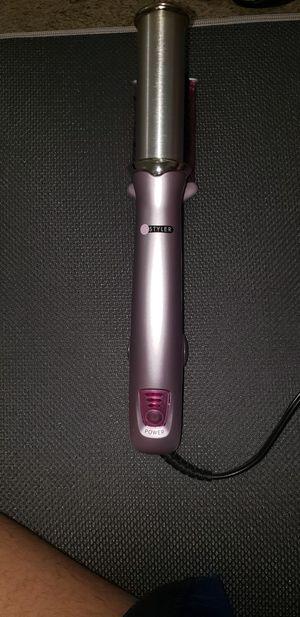 Instyler pink hair straightener for Sale in Westland, MI