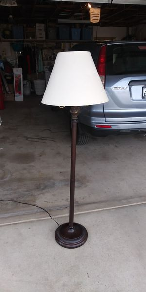 Very nice lamp for Sale in Victorville, CA