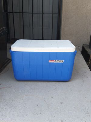 Coleman polite cooler ice chest for Sale in Fresno, CA