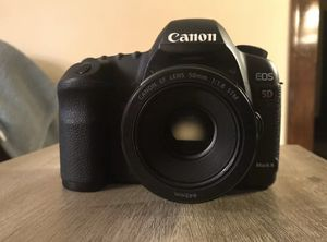 Canon EOS 5D Mark II 21.1MP Digital SLR Camera + 50mm Lens + Ritz Gear BAG for Sale in Cleveland, OH
