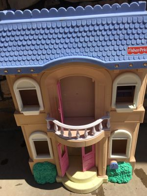 Play dolls house for Sale in Phoenix, AZ