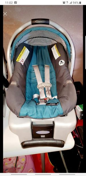 Graco Snugride Infant Baby Carseat Car Seat With Base for Sale in Pasadena, TX