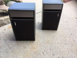 Bose 141 Bookshelf Speakers - pair for Sale in Denver, CO