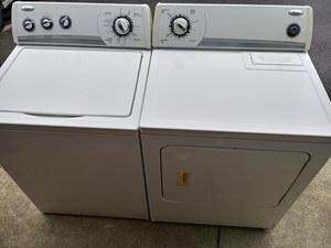 WHIRLPOOL WASHER AND DRYER SET for Sale in Raleigh, NC