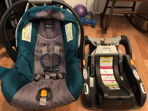 Chicco Keyfit 30 Infant Car Seat and Base in Teal/Gray for Sale in Seattle, WA
