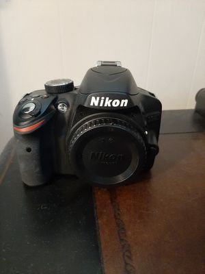Nikon d3200 dslr digital camera body for Sale in Lexington, NC