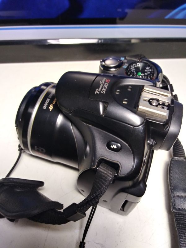Digital camera Canon Sx30 is,works great,no charger