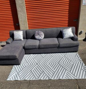 Gray Sectional, Couch DELIVERY AVAILABLE for Sale in Las Vegas, NV
