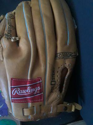 Baseball glove for Sale in Largo, FL