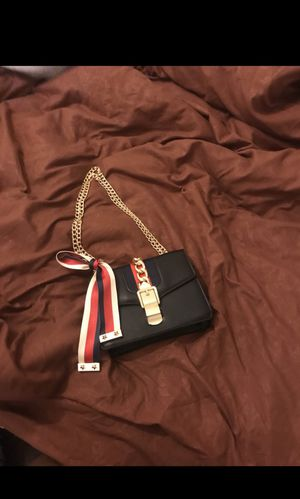 Designer purse, comes with a leather strap and a gold chain as strap (Brand new) for Sale in Columbus, OH