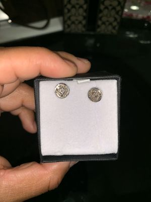 New silver diamond earrings $70 for Sale in Fort Worth, TX