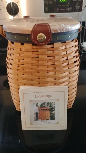 Longaberger collectible basket. Like new condition for Sale in Hopkinton, MA