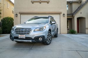 2017 Subaru Outback 3.6R LIMITED AWD for Sale in Modesto, CA
