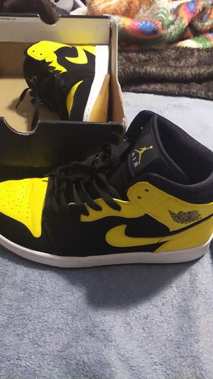 Air Jordans 1 mid .....10.5 for Sale in Joint Base Lewis-McChord, WA