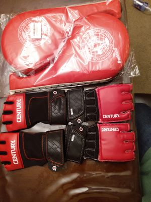 2 Red Teawondo Training Pmland and 2 pair off boxing gloves for Sale in Houston, TX