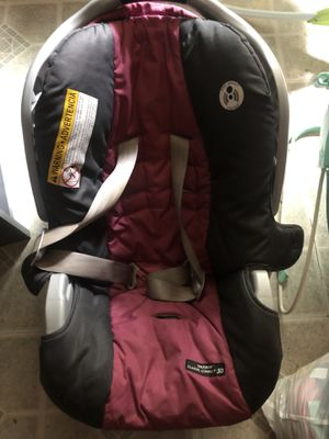 Baby girl car seat for Sale in Bellevue, WA